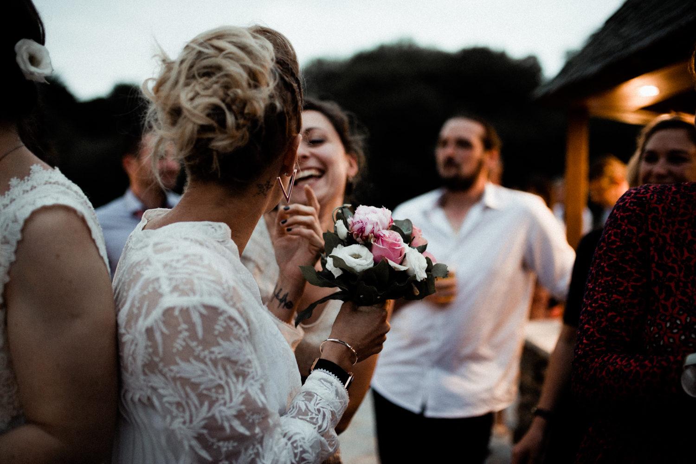 Reportage de soirée d'un mariage en extérieur en Bretagne